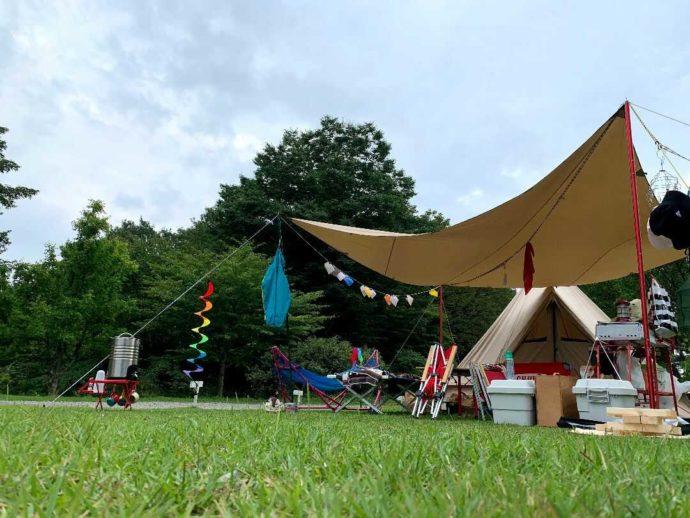 「星の降る森」のキャンプ風景