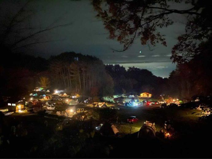 「星の降る森」の夜景