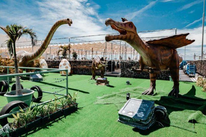 ステムリゾート ダイナソーミュージアムの恐竜を間近に眺める