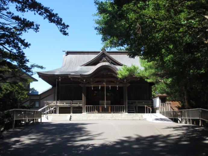 函館市にある亀田八幡宮の外観