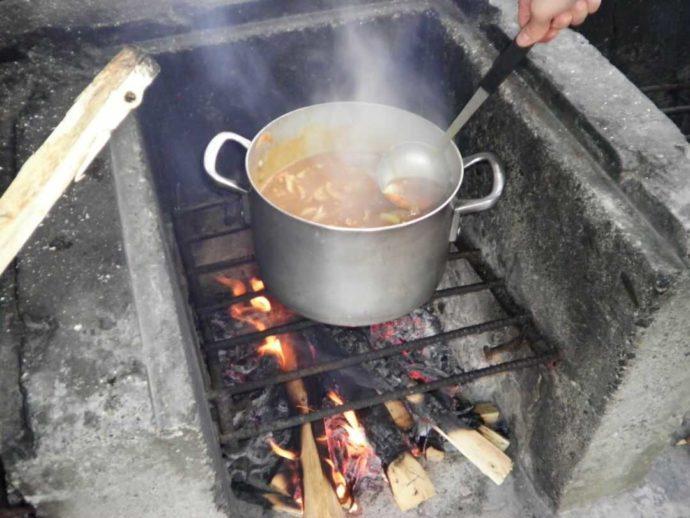菅沼キャンプ村で食べるカレーライス