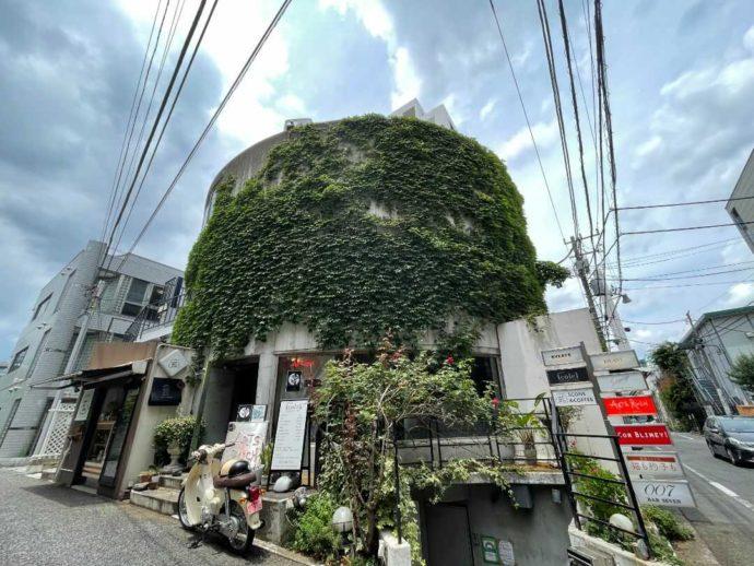 東京都渋谷区にあるスイーツもいただけるバー「Suppage」の外観