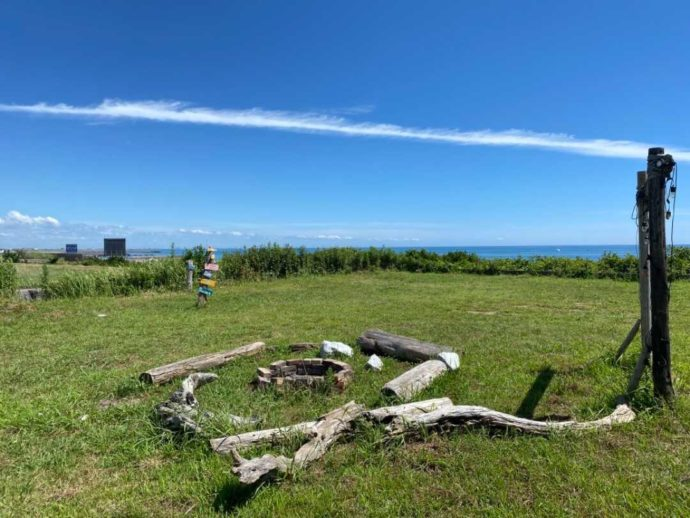 「シーサイド太東海岸バーベキュービレッジ」のキャンプサイトの様子