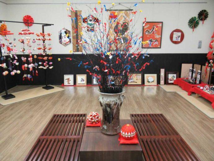 髙倉勝子美術館桜小路の多目的室で開催された手芸作家による布細工展