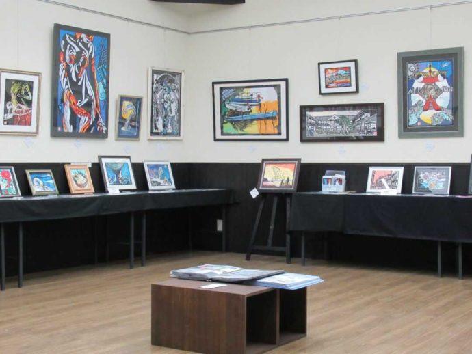 髙倉勝子美術館桜小路の多目的室で開催された登米市出身切り絵作家の作品展