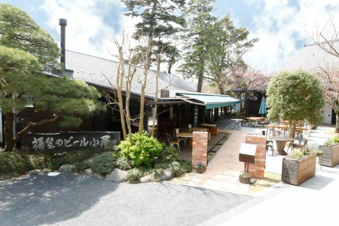 東京都福生市にある福生のビール小屋の外観