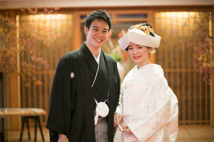 料亭玉家で袴と白無垢衣装で和婚を行う新郎新婦