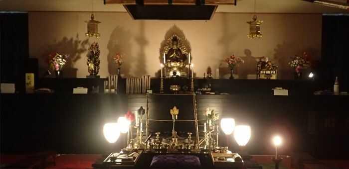 天光寺の祭壇