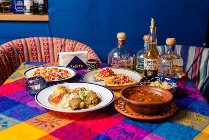 テピートのカラフルな食卓とメキシコのお酒