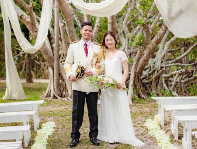 結婚式の前撮りをイメージし、撮影した新郎新婦