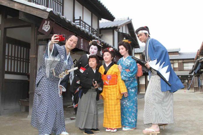 東映太秦映画村で時代劇の衣装に着替えて記念撮影