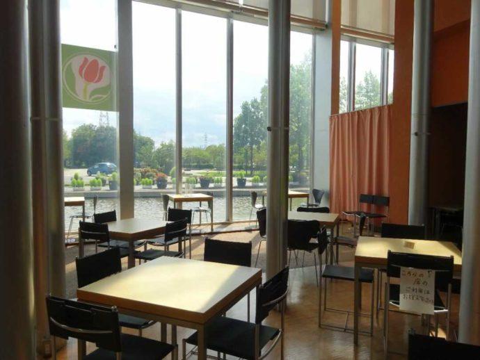 「チューリップ四季彩館」にあるカフェかくれ庵
