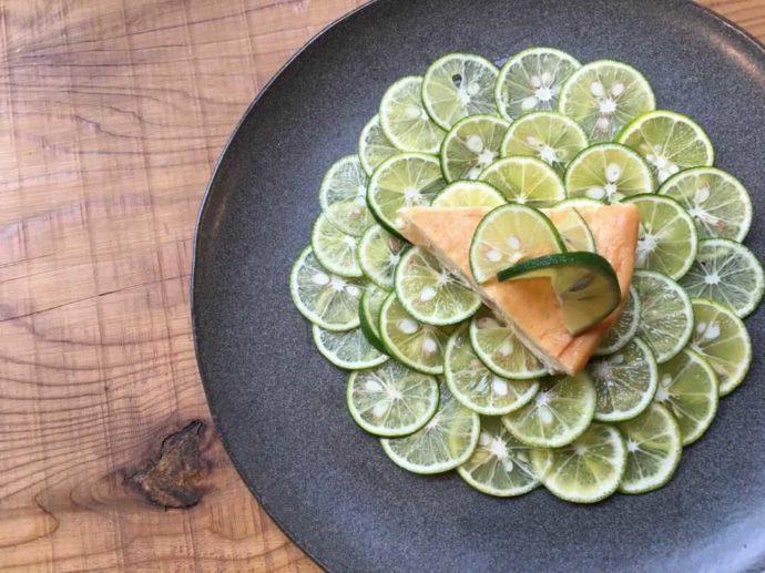ターンテーブルオリジナルのスイーツ「スダチチーズケーキ」