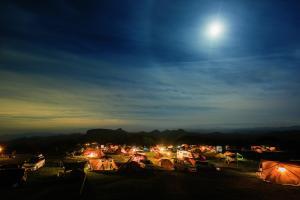 内山牧場キャンプ場の夜の遠景