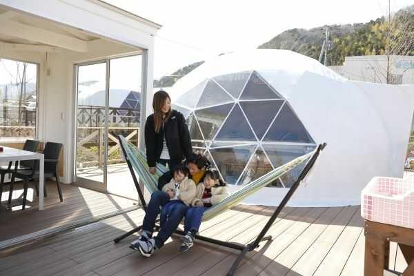 静岡県伊豆市にあるウフフビレッジのドームテント