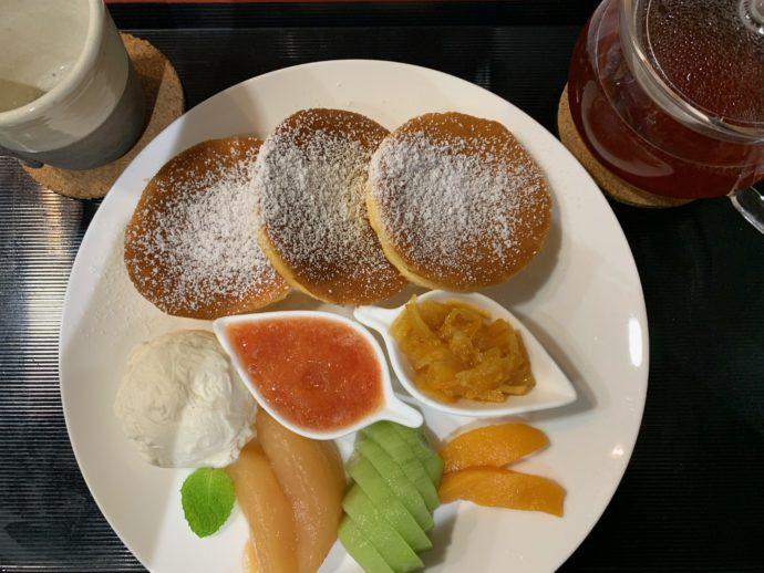 千葉県館山市にあるcafé123のはちみつパンケーキ