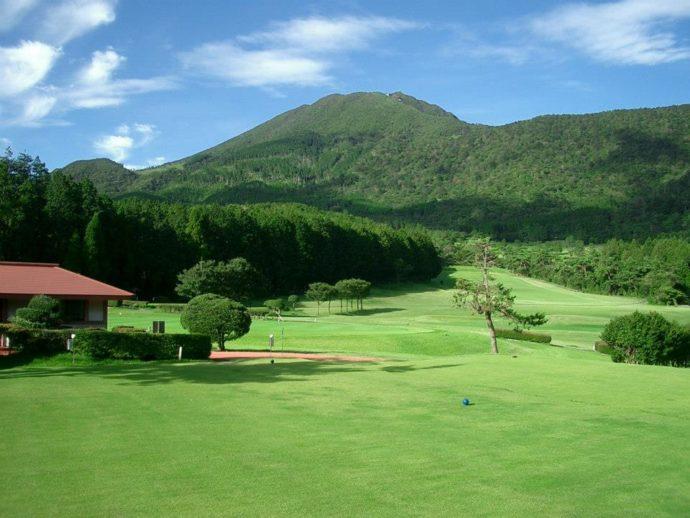 緑が美しい雲仙ゴルフ場の様子