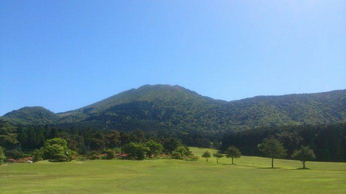 雄大な自然の中でゴルフデートが楽しめる雲仙ゴルフ場
