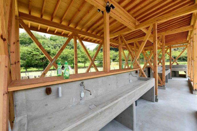 丹波篠山キャンプ場 やまもりサーキットの炊事棟