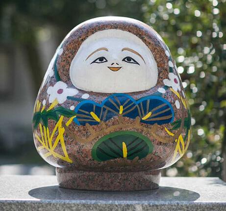 石川県金沢市の安江八幡宮にある加賀八幡起上りの像