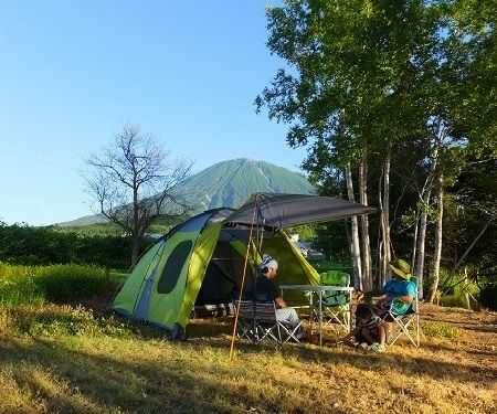 北海道虻田郡倶知安町にあるヨウテイアウトドアのテントサイト