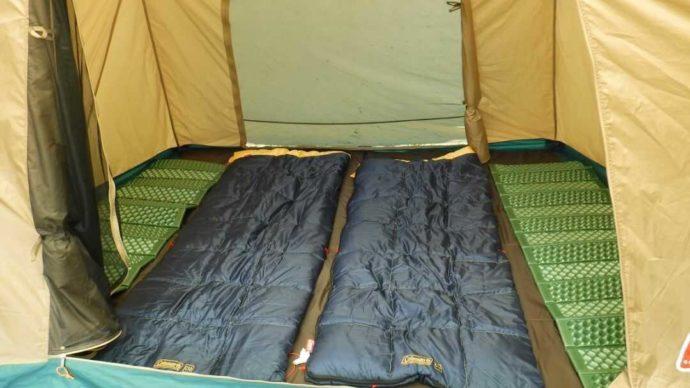 ヨウテイアウトドアの手ぶらパックでレンタルできるテントの内部
