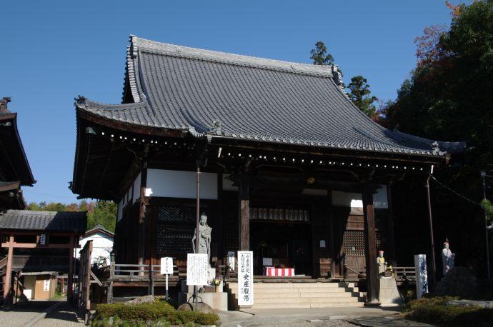 岐阜県関市にある関善光寺(宗休寺)の大仏殿
