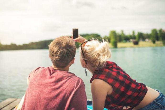一人旅へ出るよりも恋人が欲しいと願う人と出会うのが良縁への近道