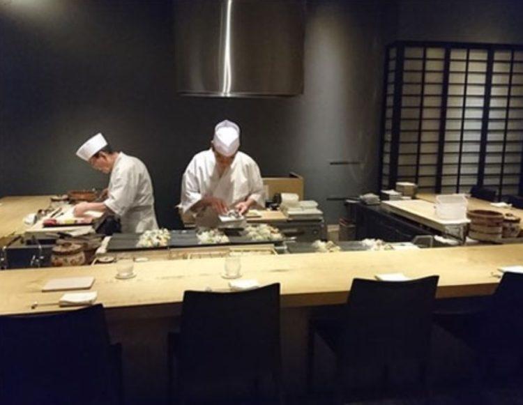 東京都港区の結婚相談所「ハッピーカムカム」が提携している会員制寿司屋