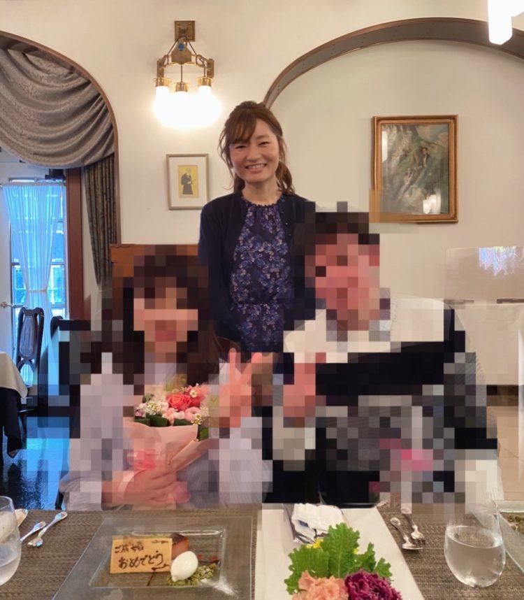 Lily Mariageで成婚したカップルと代表の松沢さん